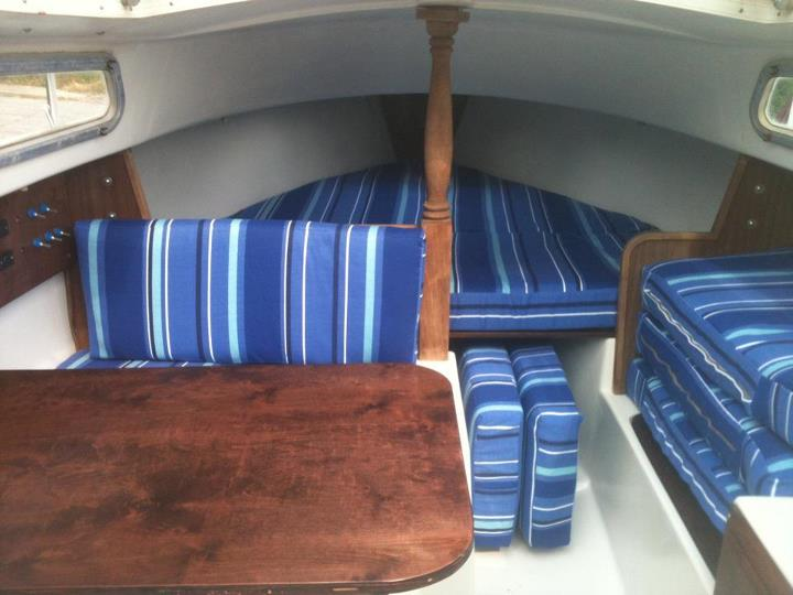 Show me your sailboat's interior-45340_3826320451898_1207020370_n.jpg