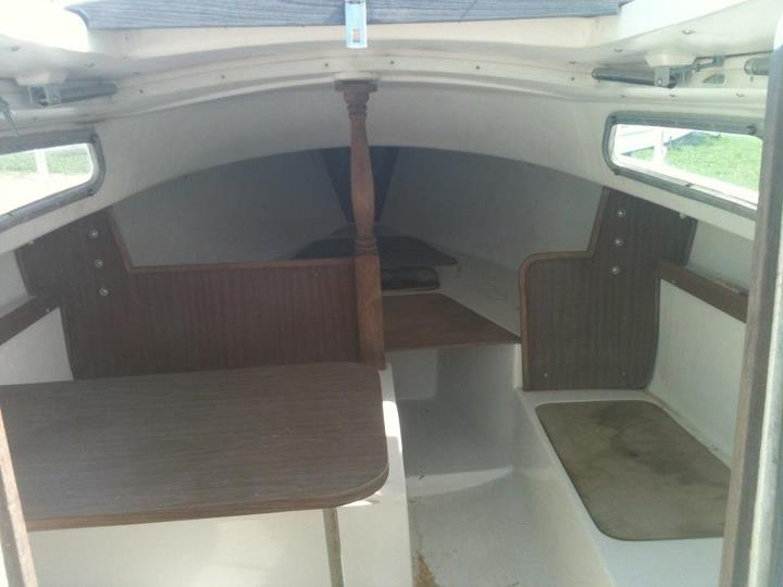 Show me your sailboat's interior-532136_3372659550659_234984249_n.jpg