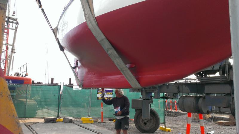 Anti-fouling paint under the keel-imag0349.jpg