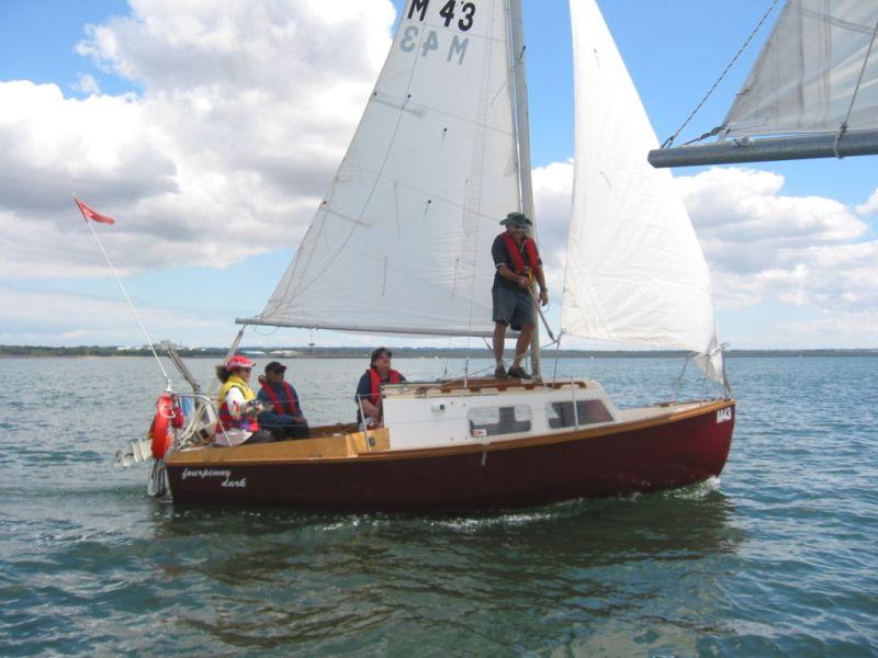 Loose Foot Main sail vs Foot Bolt Rope in boom Track-img_3366.jpg